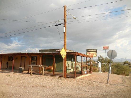Tombstone Sagebrush Inn : Exterior of SageBrush Inn