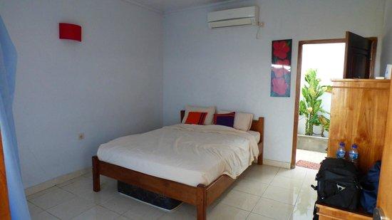 CF Komodo Hotel: room