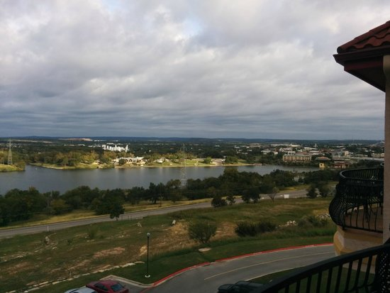 La Quinta Inn & Suites Marble Falls: View from hotel toward Marble Falls downtown