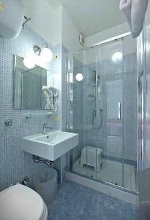 Careggi : Bagno camera quadrupla