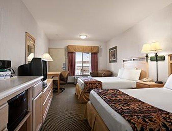 Days Inn Rocklin/Sacramento : Double Bed for family :)