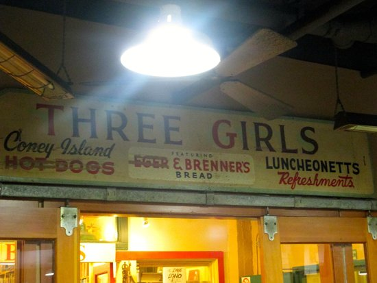 Three Girls Bakery: Sign inside