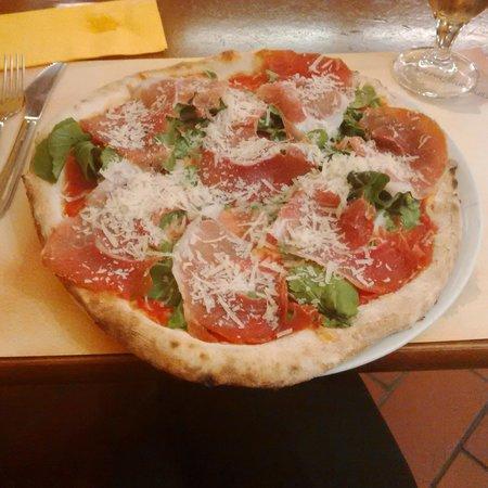 Pizzeria Funiculi : Donna Peppa...