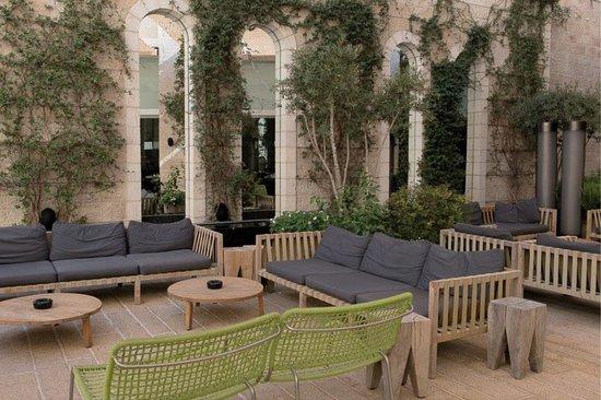 Mamilla Hotel: Le patio