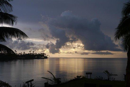 Paradise Taveuni: Sunset and happy hour