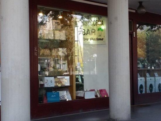 Pasticceria bar tre palme reggio emilia ristorante for Tre stelle arreda reggio emilia
