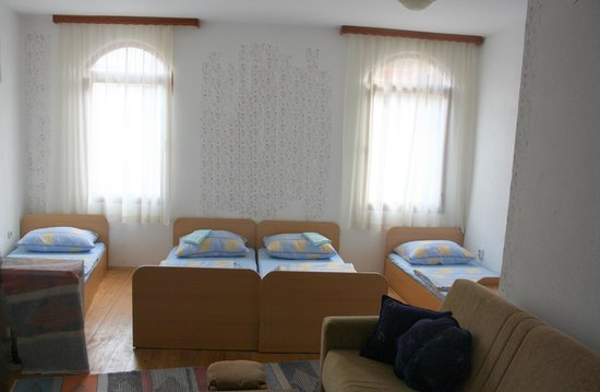 Hostel Magaza : Private 4 beds room, with private bathroom