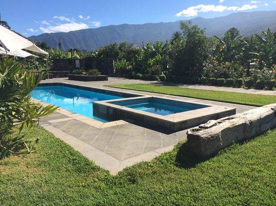 Casa Rural El Patio de Tita: piscina
