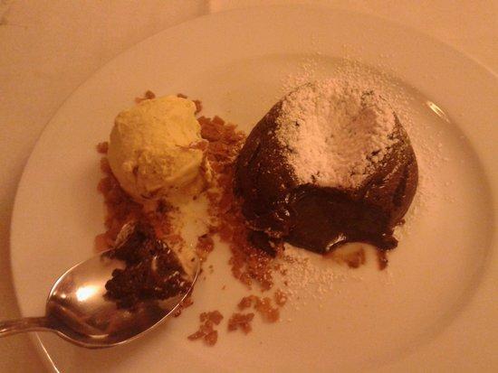 La Hosteria de Oropesa  Restaurant : delicioso coulan au chocolat