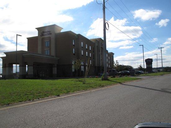 Hampton Inn & Suites Clarksville: The best on the block!