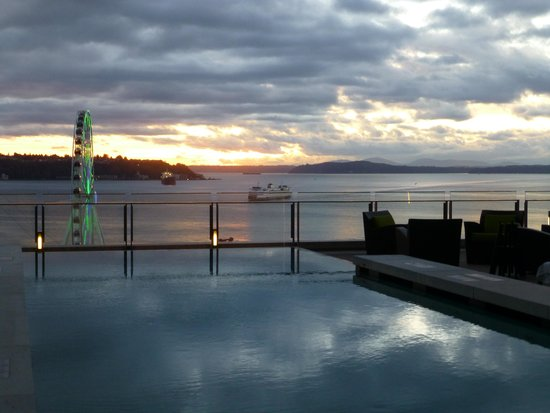 Four Seasons Hotel Seattle: does this look like a wading pool?