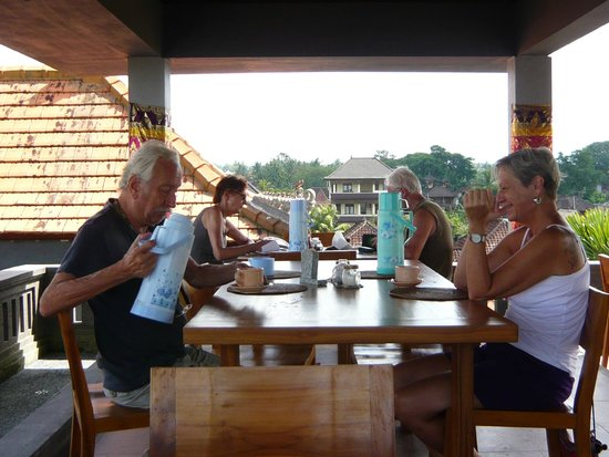 Hibiscus Cottages: Looked forward to breakfast every day