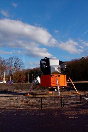 Huntsville, AL: Lunar Lander mock-up