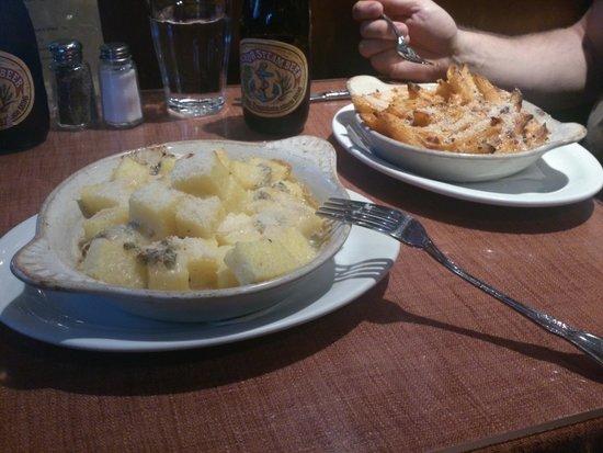 L'Osteria del Forno: gnocchi con gorgonzola and pasta al forno