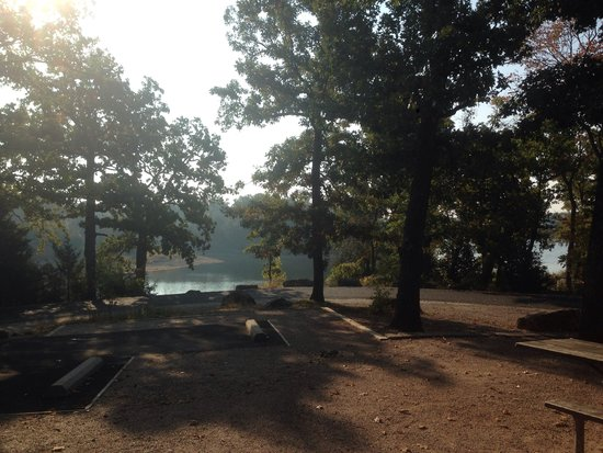 Chickasaw National Recreation Area : Morning view of the lake