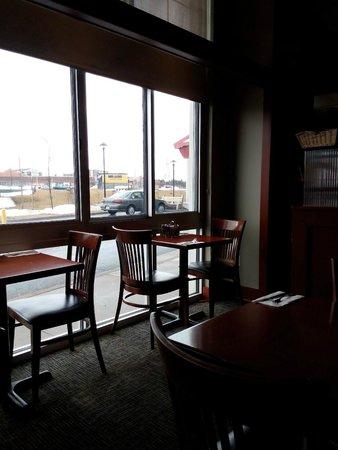 Future Inns Halifax: Redwood Grill