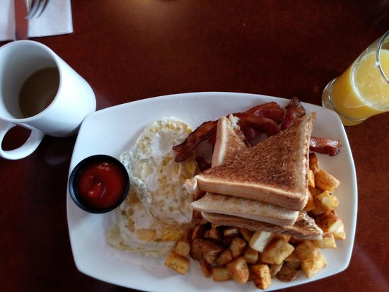 Future Inns Halifax: Hot made to order breakfast Included in our rate