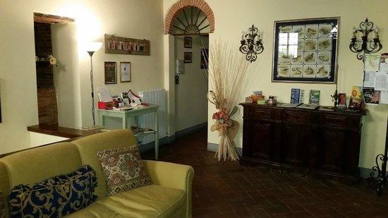Antica Casa Naldi: L'ingresso della casa