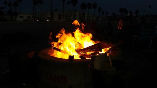 Holiday Inn Oceanside Camp Pendleton Area : Fire Pits On Beach Just A Few Minutes Away