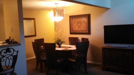 Carriage Place: Dining Room
