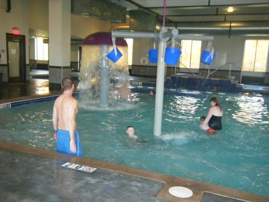 Holiday Inn Express & Suites Columbus-Polaris Parkway: pool area