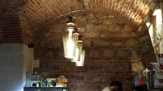 Shafia Handmade Chocolate&Coffee: Shafia - the 500 years old building