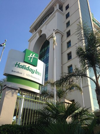 Holiday Inn Sandton - Rivonia Road: Picture of the front of the hotel, looking up from the street
