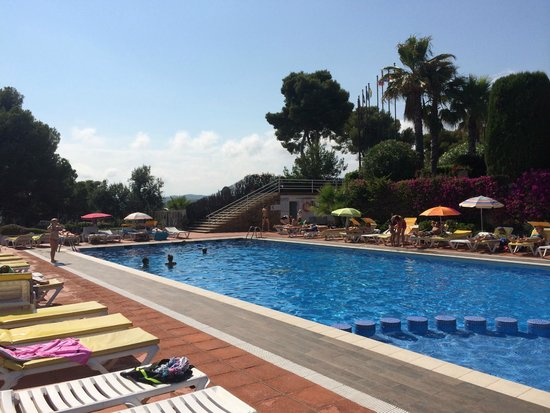 Piscina picture of hotel roger de flor palace lloret de for Piscina lloret