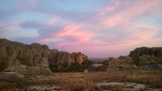 Isalo Rock Lodge : Sunsets here never disappoint