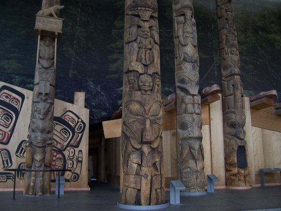 Canadian Museum of Civilization: Great Totems