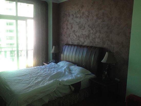 Monarch Hotel : Bedroom