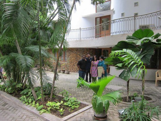 Hanu Reddy Residences Poes Garden : Oct 2014