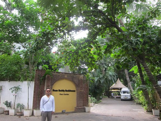 Oct 2014 - Picture of Hanu Reddy Residences Poes Garden ...