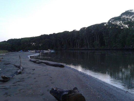 Entrada del río Guarare a la playa puerto de Guararé.