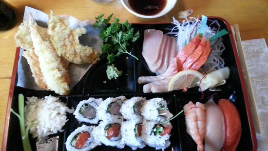 Seh-Mi Japanese Restaurant : Sashimi Bento Box c/w Sunomono and Miso soup