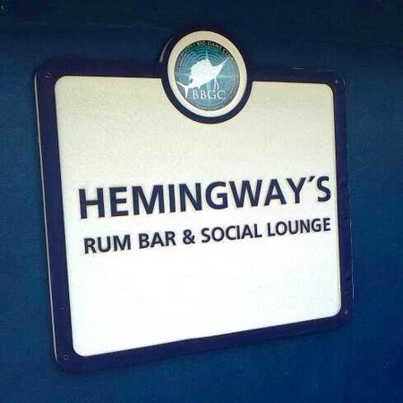 Bimini Big Game Resort and Marina: Of course a Bar!!