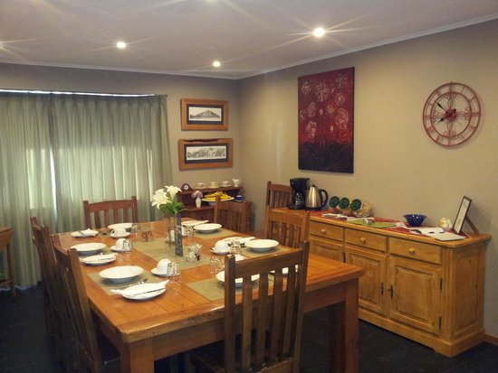 Aoraki Lodge: The Dining Room