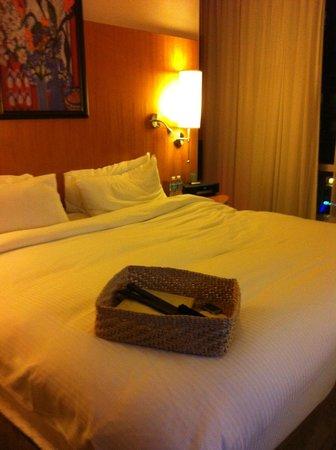 Sofitel Montreal Golden Mile: Wonderfully comfortable bed