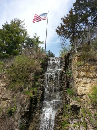 G Chicken Freeport Il Krape Park Waterfall -...