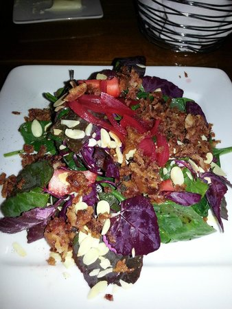 Bridge Road Bistro: 1/2 portion of their delicious salad