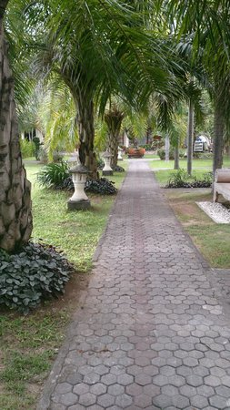 Inna Sindhu Beach: Path towards reception