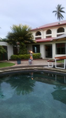 Grand Eastern Hotel: Poolside view