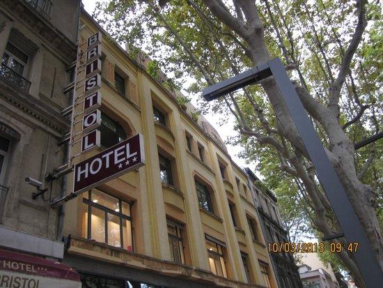 Bristol Hotel : Our home in Avignon