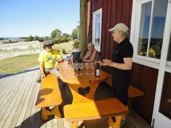 Bronte, New Zealand: Thelma at Cellar Door
