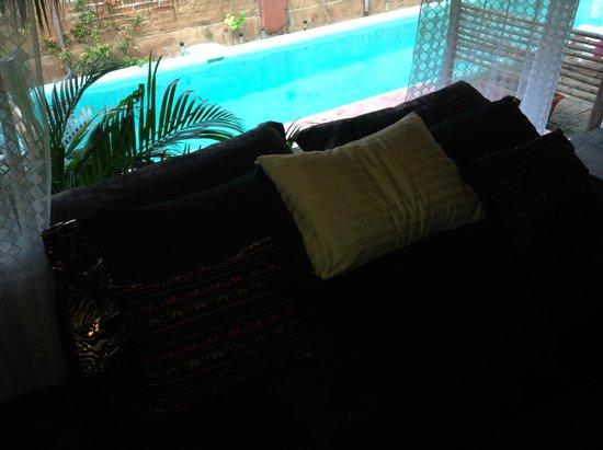 Hacienda La Rusa B&B: Balcony with pool
