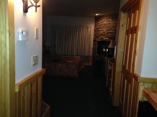 Superior Shores Resort: View Door To Window