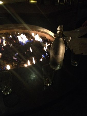 Bar Bocce : Fire pit and cool water!