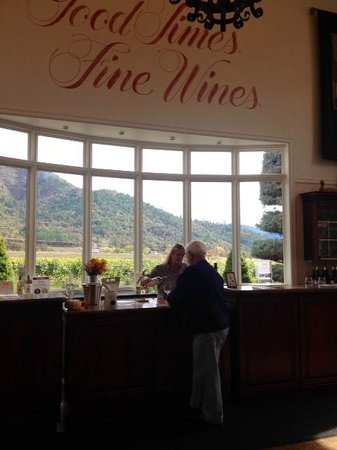 Troon Vineyard: Tasting w a view