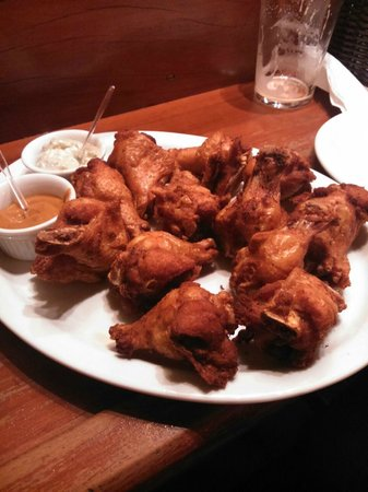 O'Malley's : Buffalo wings.