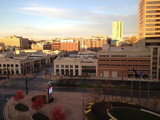 Hartford Marriott Downtown: Restaurants and theater